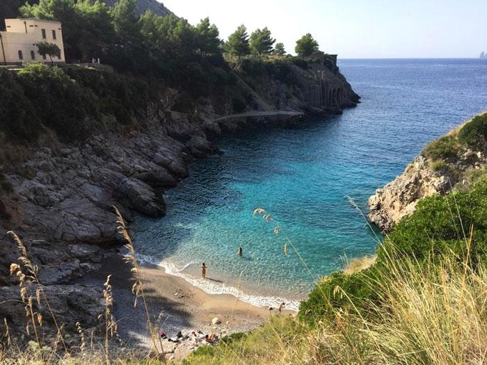 Spiaggia_Baia-di-Ieranto