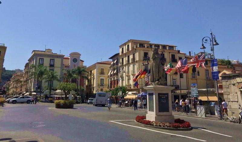 Piazza Tasso_Cosa vedere a orrento