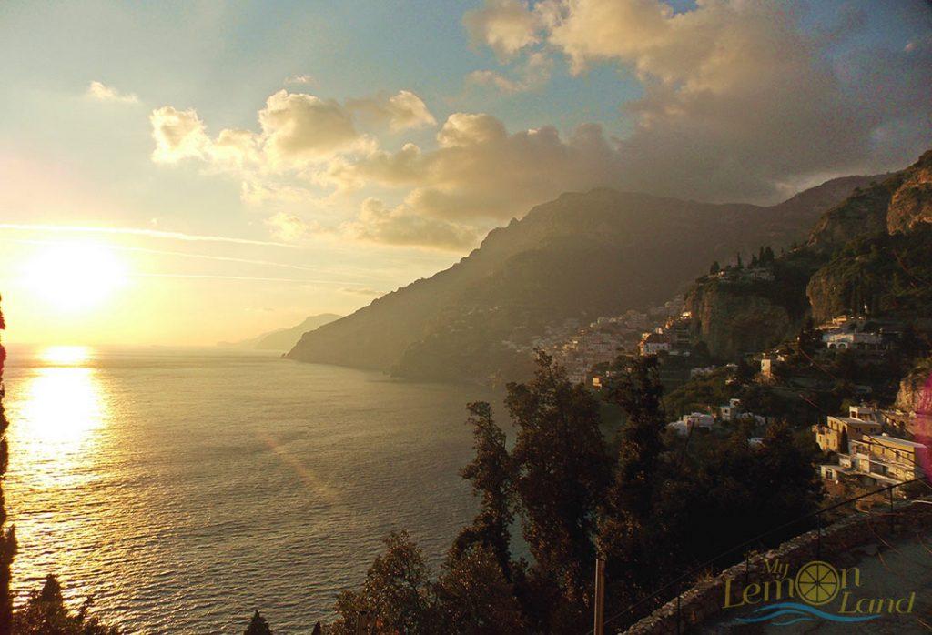 Amalfi Coast al tramonto