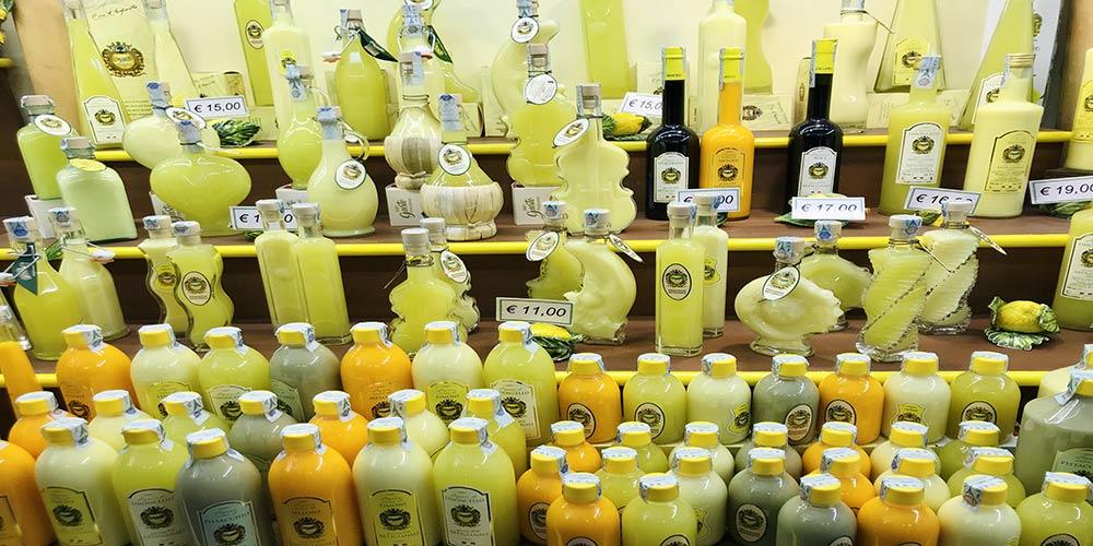 Bottiglie di Limoncello-Sorrento